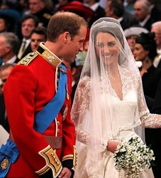 Kate Middleton w/Tiara & Long Veil w/Half Up/Half Down Bridal Hairstyle