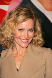 Leslie Mann natural hair color