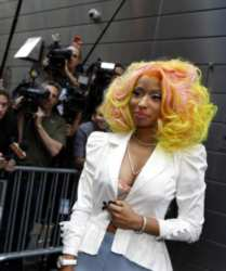 Nicki Minaj Wearing Blonde Wig With Pink Highlights