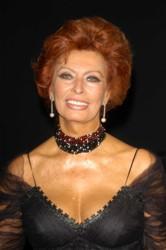 actress sophia loren rodeo drive walk of style 09 09 03 - Sophia Loren Hair Color