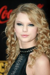 Taylor Swift Natural Hair, Long Hairstyle 2011, Hairstyle 2011, New Long Hairstyle 2011, Celebrity Long Hairstyles 2084