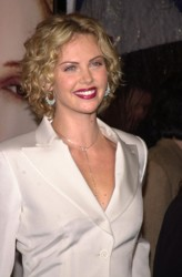 Charlize Theron - Sweet November Premiere With Blonde Curls